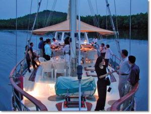 Matrimonio In Barca : Feste in barca ed eventi a bordo u barche charter